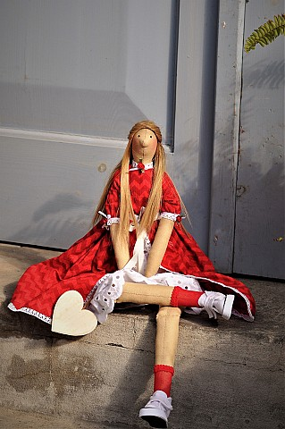 Annabell with red dress 120